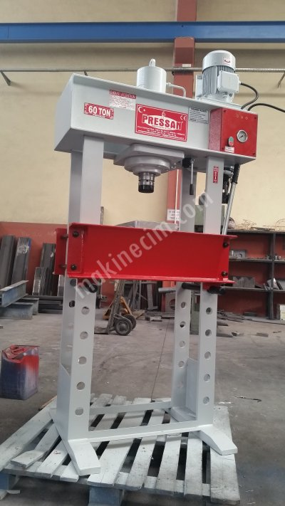 Workshop type hydraulic presses (15 - 250 tons)
