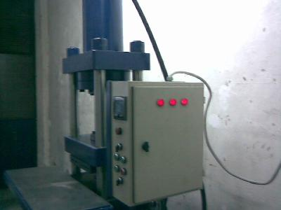hydraulic tire press machine