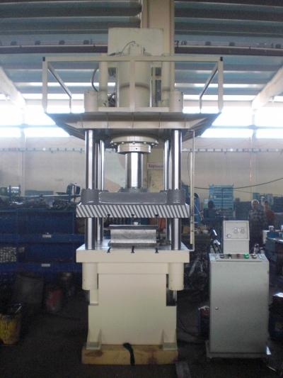 Hydraulic Press ..sıvama Presi,  Ütü Presi, Perforje Presi, Derin Sıvama Presi, Çift Tesirli Pres