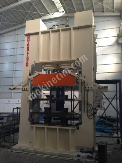 700 TON HOT PRESS MULTI TABLE WITH OIL