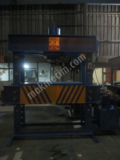 Hydraulic Press ..hidrogüç Pres 250 Ton Atölye Presi 250 Ton Pres  250 Ton Hidrolik P..