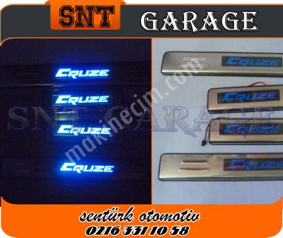 Chevrolet Cruze Kapı Eşiği Işıklı Model