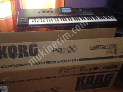 700 € Satılık Korg Pa3X 76 Keys Pro Aranjör