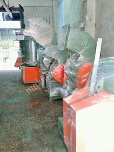 Satılık İkinci El 2 ci el kırma agromel  granül makinaları alınır satılır ödemeler nakittir Fiyatları İstanbul kırma makinası,agromel makinası,granül makinası,sıkma makinası,yatay sıkma,yıkama havuzu