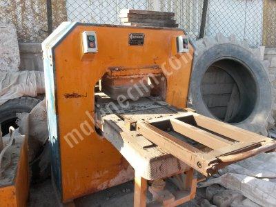 Satılık İkinci El KARO MAKİNASI TEMİZ ÇİFT TARAFLI 2006 YAPIMI Fiyatları Afyon karo makinası.karo çini makinası. biriket makinası