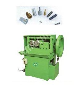 Gewinderollmaschine