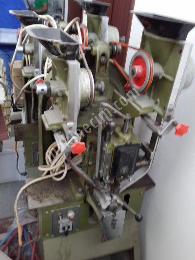 Satılık İkinci El Otamatik Düğme Çakma Makinası Fiyatları İstanbul otomatik çakma düğme makinası