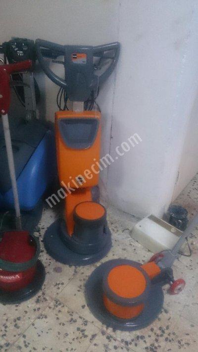 Satılık İkinci El taski ergodisk 165 halı yıkama Fiyatları İstanbul yer yıkama makinası,halı yıkama makinası,zemin parlatma makinası,kuru köpük makinası,cilalama makinası,temizlik makinası,yıkama makinası,temizlik