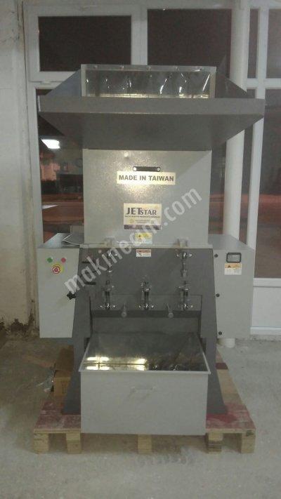 Satılık Sıfır Uygun Fiyatlarla  60 Lik Fanlı Sistem Plastik Kasa Kırma Makinesi Fiyatları Mersin plastik kırma,granül kırma makinesi,fanlı kırma,60 lık kırma,plastil  kalıbı,su kulesi,kırma bıçak,sulu kırma,plastik kirma makinesi