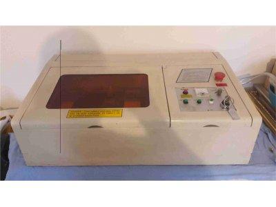 Satılık 2. El Acil Laser Kaşe Makinesi Satılık Fiyatları İstanbul lazer kaşe makinesi,kaşe,mühür,reklam,promosyon,plaket,kalem,çakmak,lazer kesim,lazer oyma,lazer kazıma