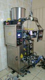 Dikey Paketleme Makinası (Üçgen Ve Düz Ambalaj Olarak Paketler)