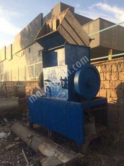 100 lük Plastik Kırma Makinası