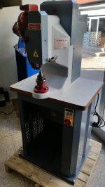 Otomatik Kuşgözü Kapsül Çakma Makinesi  7500