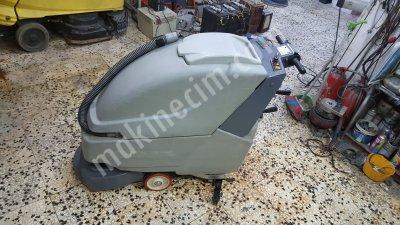 Satılık İkinci El Zemin Yıkama Makinası Fiyatları İstanbul Comac,simpla 45 b,zemin temizleme makinasi,yer yikama makinasi,
