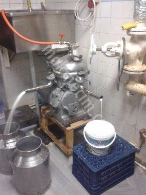 Satılık 2. El Krema Seperatörü Fiyatları  alfa laval seperatör,süt seperatörü,krema makinesi,krema makinası,krema seperatörü,süt makinası,mandıra makinası