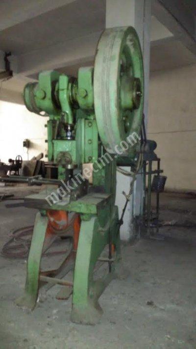 Satılık İkinci El 2 Adet Eksantrik Press 25 Ton Fiyatları İstanbul sac işleme eksantrik pres 25 ton