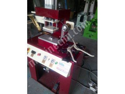 Satılık Sıfır Plastik Askılığa Sıcak Klişe Yaldız Baskı Makinası Fiyatları Adana Plastik Asklık Sıcak Klişe Yaldız Varak Baskı Makinası Askılıklar için baskı makinası tişört askısına baskı baskı makinası  gofre baskı kabartma
