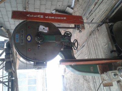 Satılık 2. El Şener Marka Parmaklı 80 Lik Temiz Hızar Makinası. Üzerinde 100 Lük Dinamo Mevcuttur. Fiyatları Adana hızar
