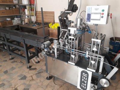 Sünger Yapıştırma Ve Etiketleme Makinesi