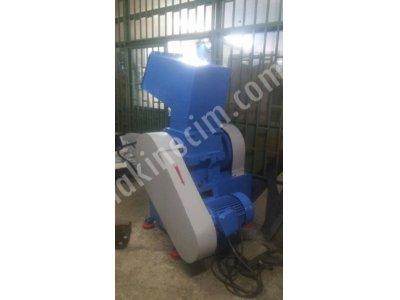 40  Lık   Plastik  Kırma  Makinesi Çok Temiz  Ve Bakımlı  Çok Ekonomik-Satılmıştırrrrrrrrrrrr