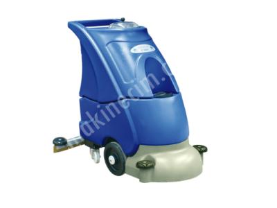 Akülü Zemin Temizleme Makinesi B-3501