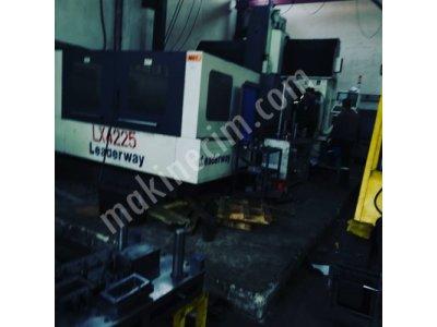 Cnc Dik İşlem Freze Vtech Marka Fanuc Üniteli Model:2004 Satılık
