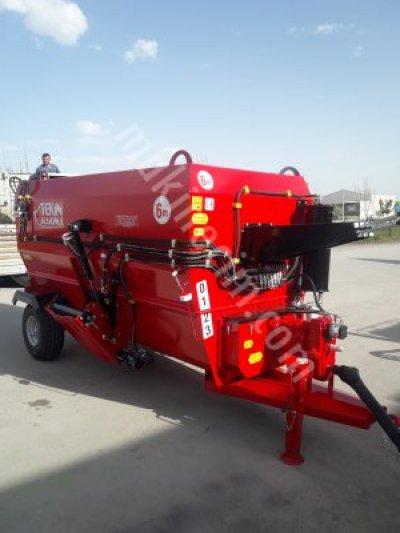 6 M3 Traktörlü Yem Karma Makinası