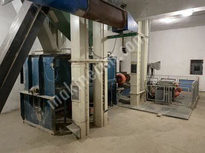 Feed Factory Pellet Granule And Powder Feed Machines For Sale.