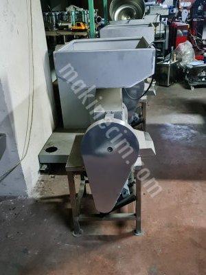 Domates Ve Üzüm Çekme Makinesi