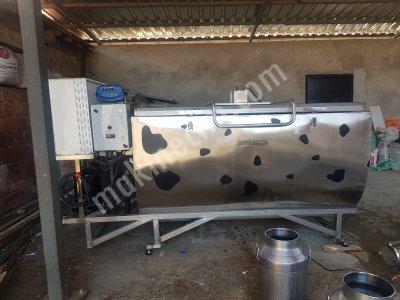 Hesaplı 2000 Lt Süt Soğutma Tankı Yatay Yarı Silindirik Otomatik Yıkamalı